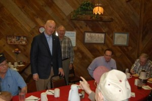 Pete Ricketts talks with diners at Grandma's Kitchen in Columbus. (Photo by Fred Knapp, NET News)