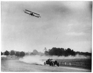 Barney Oldfield (auto) racing Lincoln Beechey (airplane) in a 1912 race, similar to the 1915 Nebraska State Fair race. (Library of Congress photo)