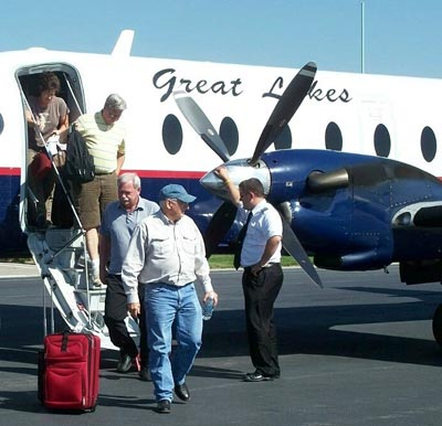 Passengers disembark a Great Lakes plane at North Platte Regional Airport (Image courtesy of North Platte Regional Airport)